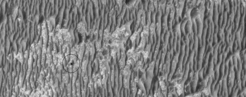 Το όχημα Opportunity φωτογραφημένο από το HiRISE