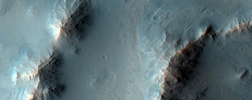 Elevación en el Cráter Oudemans