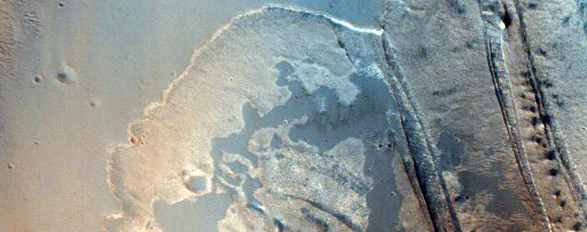 Sulfate Strata in Ius Chasma