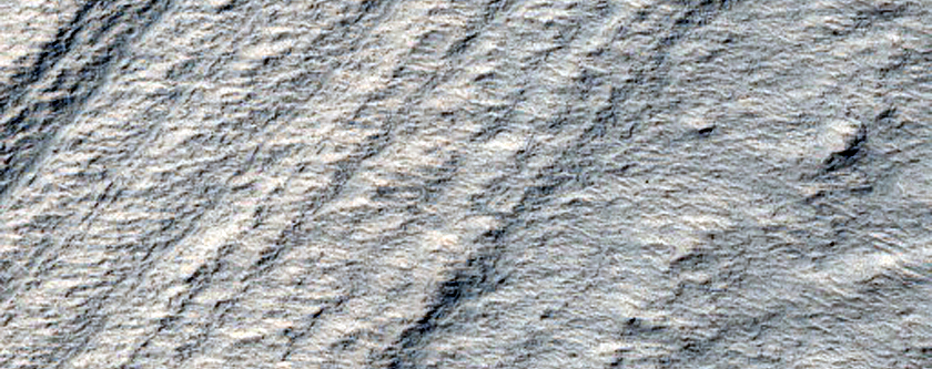 Curving Exposure of South Polar Layered Deposits