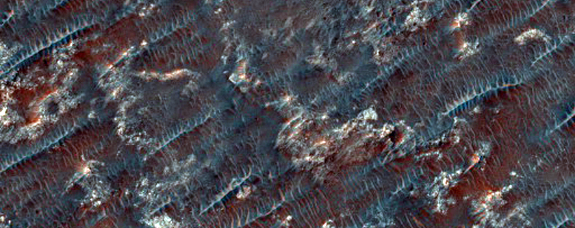 Close-Up of Streaks Emanating from Hale Crater
