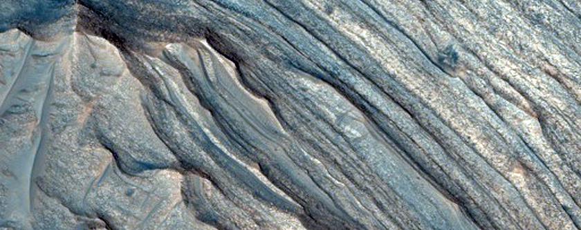 Ferric Oxide-Rich Deposit in East Candor Chasma