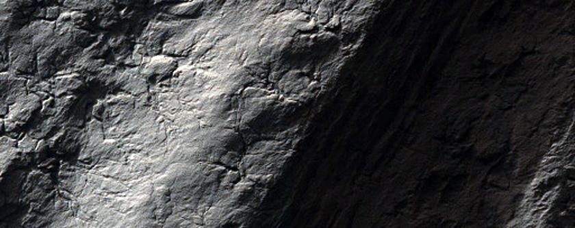 Polar Layered Deposits Stratigraphy Near Chasma Australe