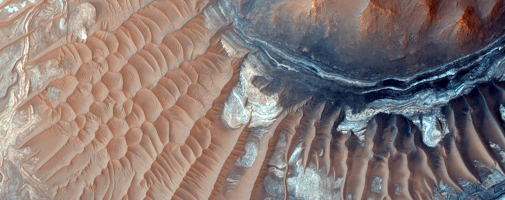 Light-Toned Deposits in Noctis Labyrinthus