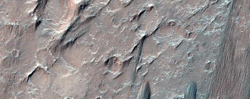 Dunes in Herschel Crater
