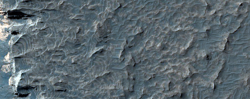 Exposed Light Material in Upland Region in Aureum Chaos