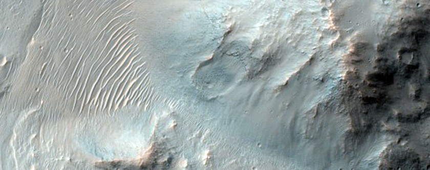 Possible Phyllosilicate Deposit in Valles Marineris