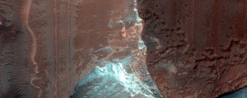 Terrain East of Hellas Planitia