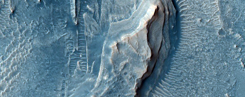 Possible Cyclic Bedding within Arabia Terra Crater
