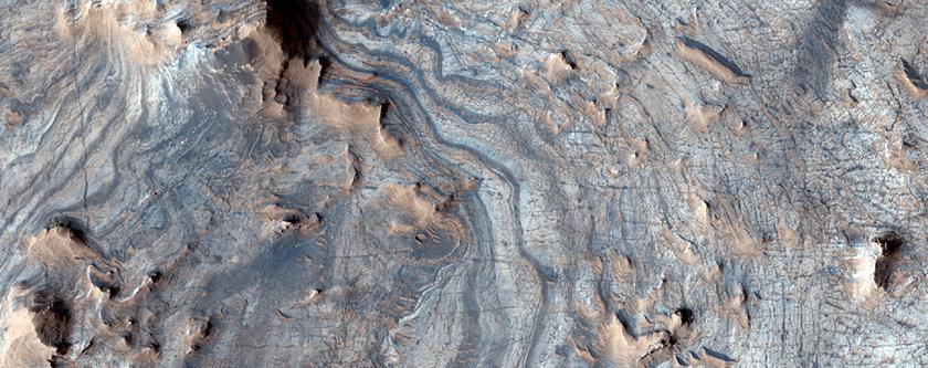 Ελαφρά-τονισμένα στρωματωμένα πετρώματα στις περιοχές της Αραβίας και ανατολής Ξάνθης