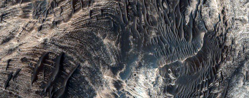 Layered Deposits on West Candor Chasma