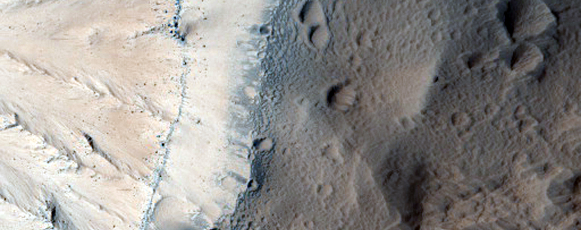 Layers in a Scarp on Olympus Mons