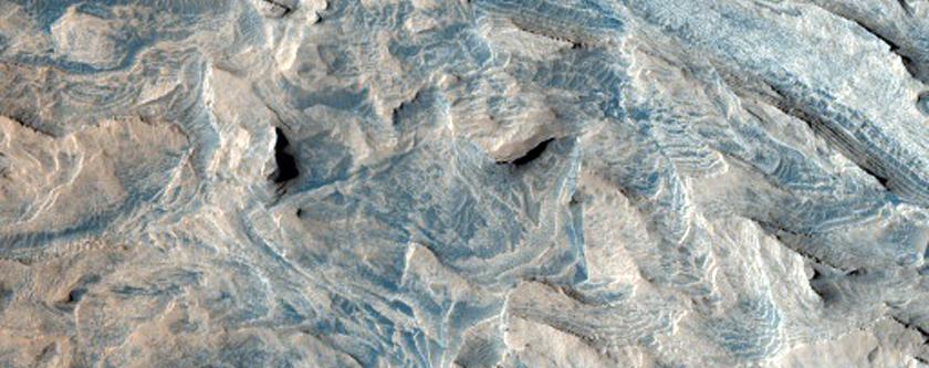 Layers in Becquerel Crater