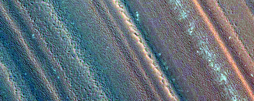 Layering in North Polar Layered Deposits (Lower Correlated Sequence)