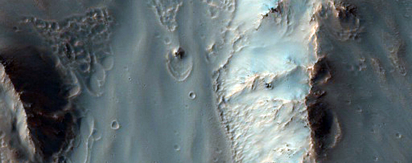Hale Crater Ejecta in Bond Crater