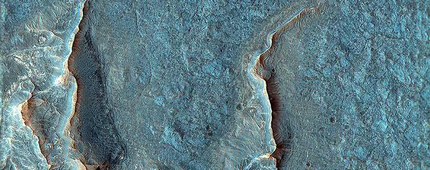 Inverted Channels Near Juventae Chasma