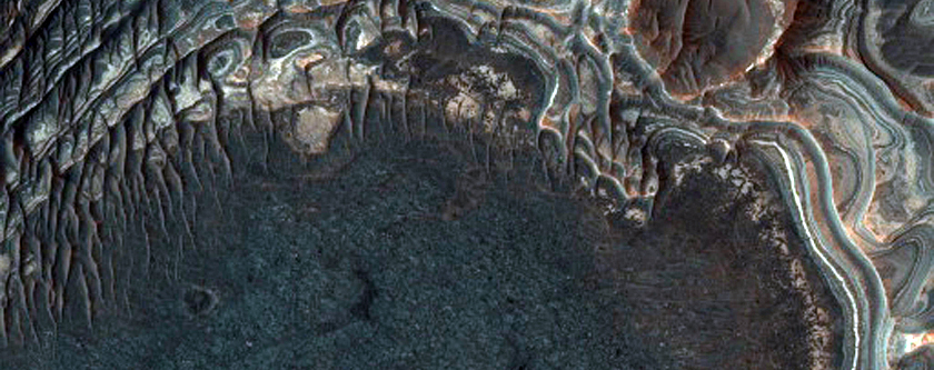 Light-Toned Layering in Plains West of Juventae Chasma