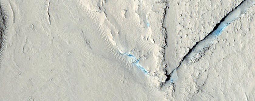 Montículos fracturados en Elysium Planitia