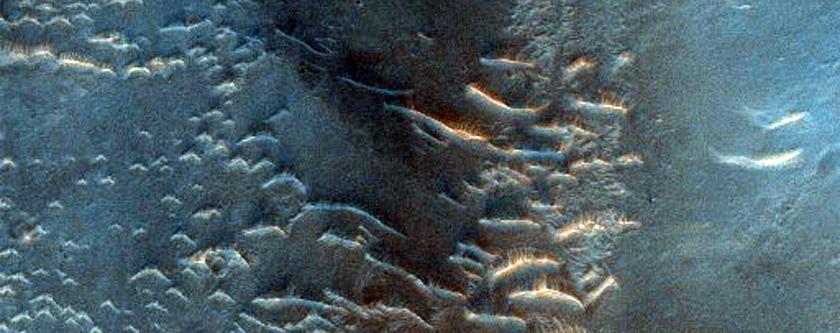 Volcano at Confluence of Samara and Ladon Valles