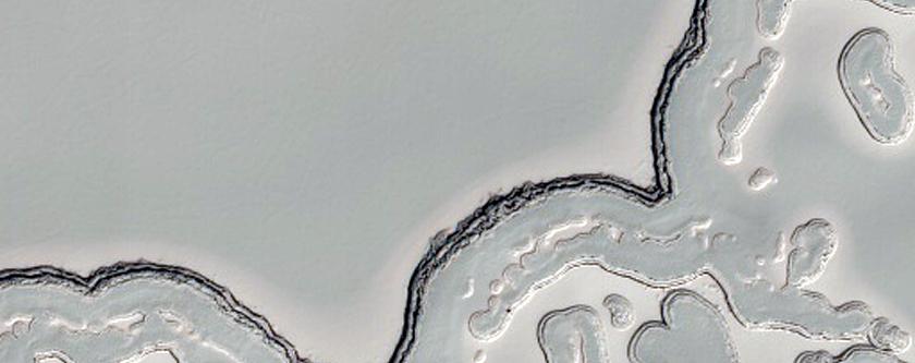 Terreno na região polar do sul: queijo suiço