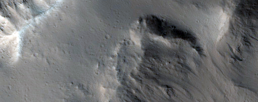 Large Fresh Crater Near Marte Vallis