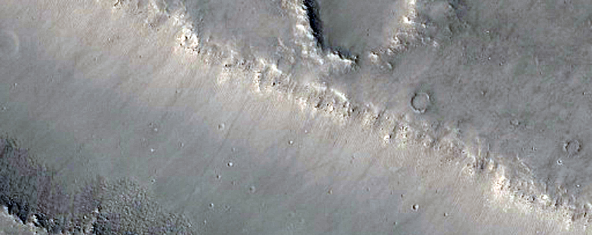 Traverse of Fault and Thermal Units in Elysium Planitia