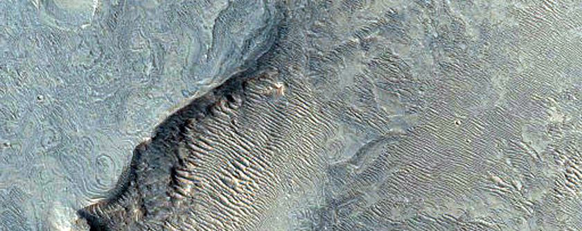 Light-Toned Outcrops in Noctis Labyrinthus