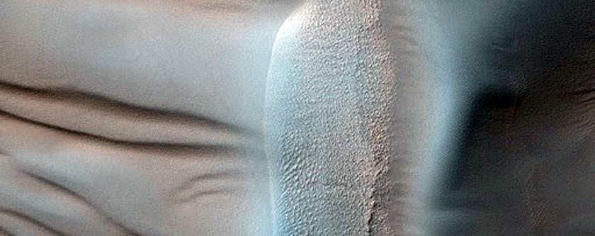 Unusual Dunes in Pit of Darwin Crater