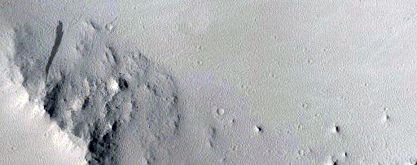 Large Fresh Crater Near Marte Vallis