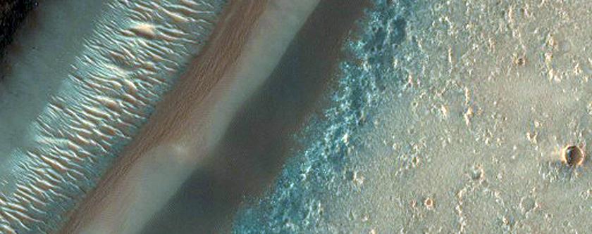Layers in Arnus Vallis