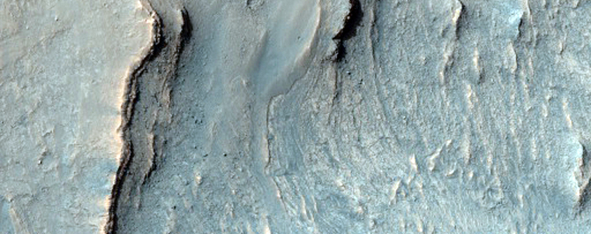 Finely-Layered Rocks in Ius Chasma