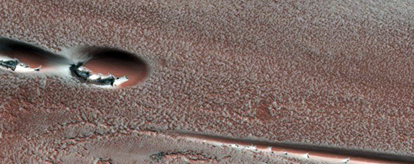 Defrosting Spots on Dunes in Chasma Boreale
