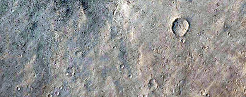 Cratere raggiato nella regione di Tharsis