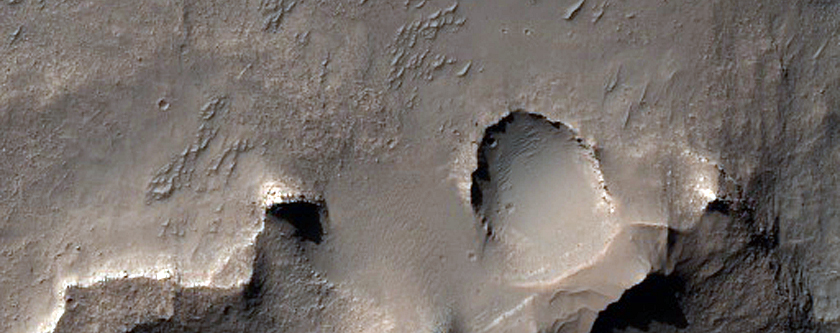 Light-Toned Outcrops in Eridania Basin
