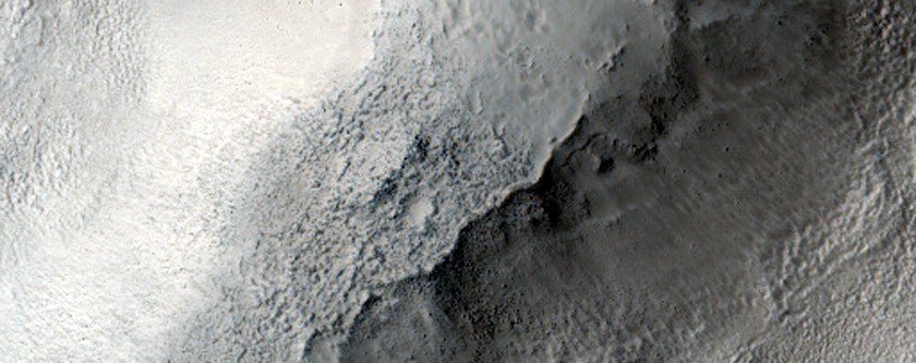 Ejecta Flow around Obstacle in West Utopia Planitia