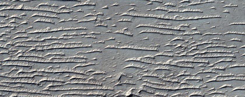 Elongated Rise on Plain between Ius Chasma and Tithonium Chasma