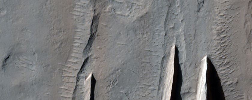 Contact between Apollinaris Patera and the Medusae Fossae Formation