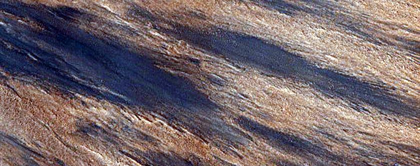 Fresh Impact Crater in Utopia Planitia