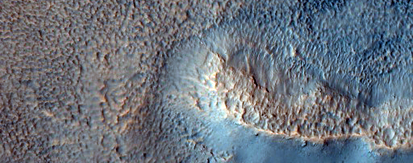Phyllosilicates Eroding From Hills in Southern Acidalia Planitia