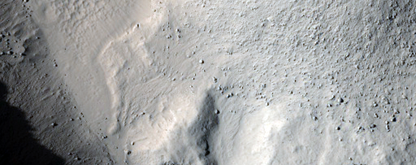 Sapping Features East of Tooting Crater