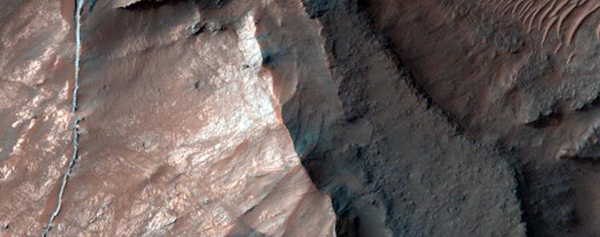 Ridge in Coprates Chasma
