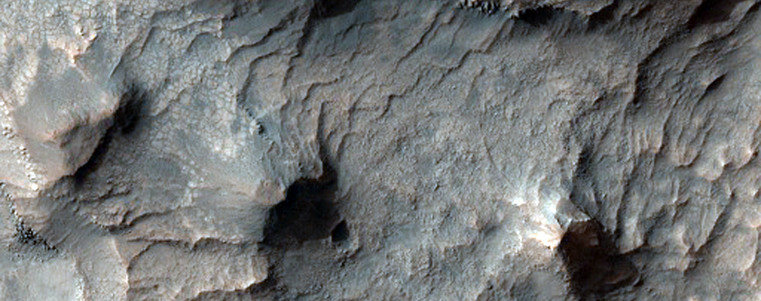 Clays and Other Hydrated Materials in Sirenum Fossae Region