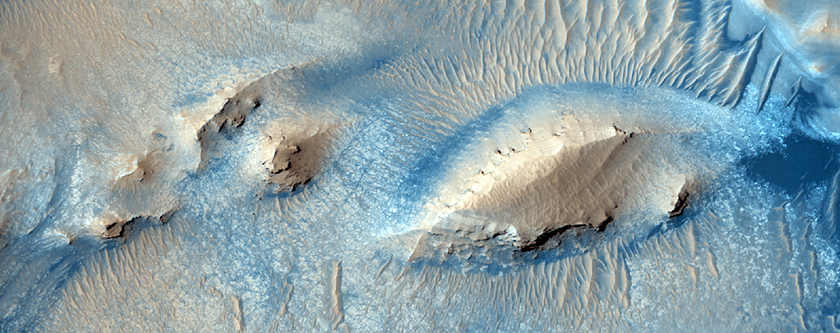 Active Erosion in Pasteur Crater