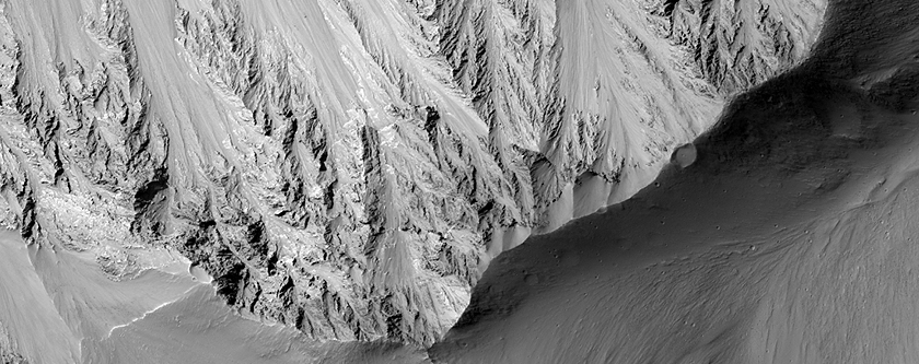 ¿Cómo se formó Vallis Marineris?