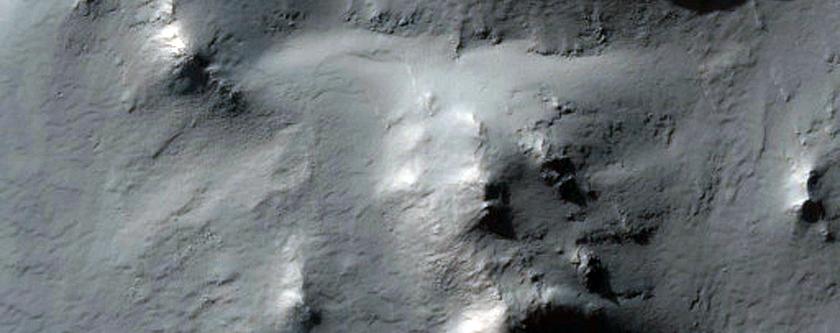 Crater Traverse in Terra Sirenum