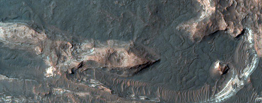 Light-Toned Layers in Orson Welles Crater