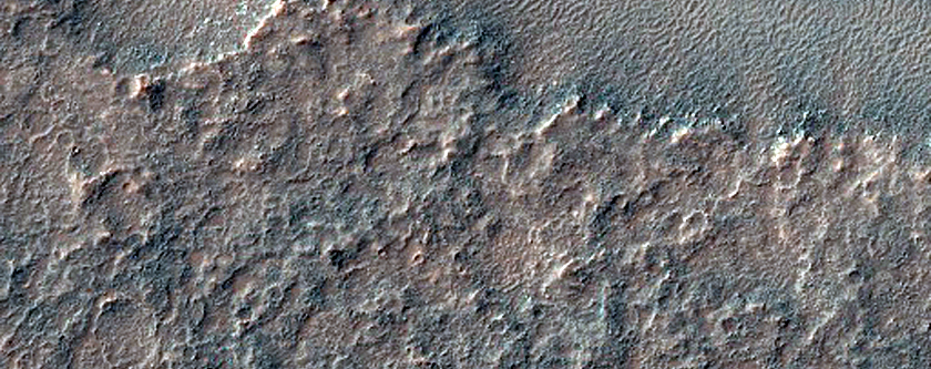 Valley Appearing to Transition to a Ridge in Solis Planum