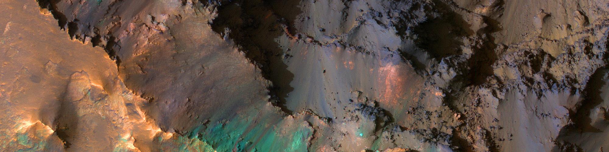 Le sommet de Coprates Chasma