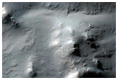 Crater Traverse in Terra Sirenum