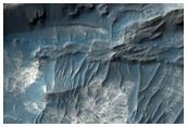 מרבצים בתוך שכבות בקאנדור קזמה המערבי (Candor Chasma)